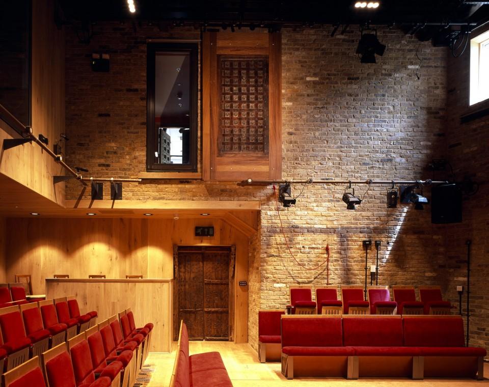 Tara-Theatre-London-UK-by-Aedas-Arts-Team_05Photo-credit-Hélène-Binet...-960x760.jpg