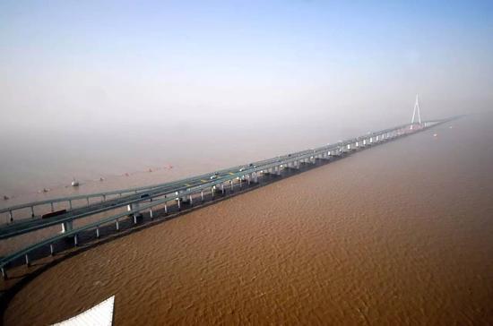 The Hangzhou Bay Bridge